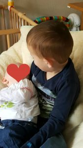 Luca met nichtje Zoë.