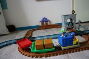 avontuur trein komt er aan